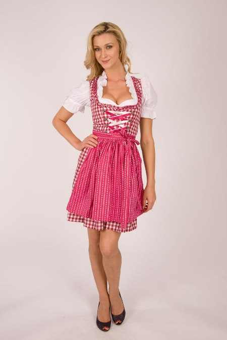zur wiesn 5 verschiedene trachten marken dirndl zum oktoberfest v trachtenkult ebay. Black Bedroom Furniture Sets. Home Design Ideas