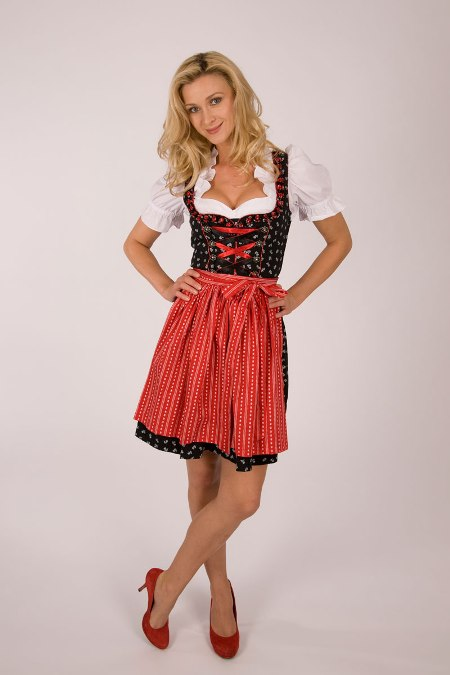 zur wiesn 5 verschiedene trachten marken dirndl zum. Black Bedroom Furniture Sets. Home Design Ideas